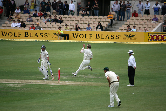 Cricket at Adelaide Oval, 2nd Test against New Zealand, day 1, Brett Lee in action from the River Torrens end.